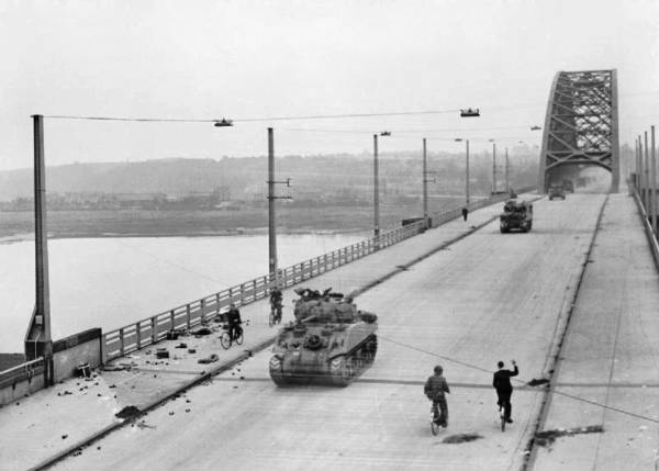XXX Corps crossing the bridge at Nijmegen